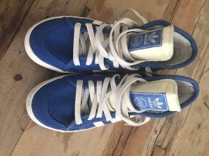 Sneakers von Adidas