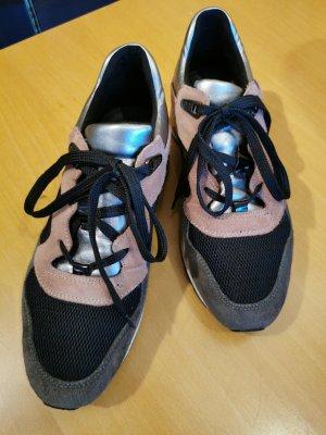Sneakers von Geox in Gr. 35