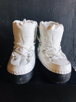 Ella Cruz Lace-up Boots white