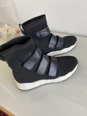 Socket Boots Ash