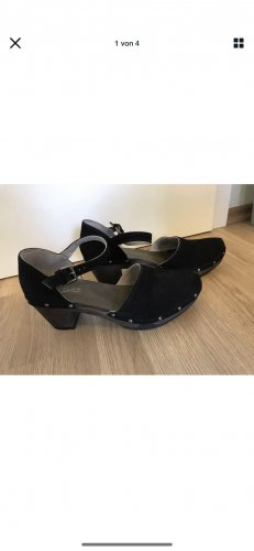 Softclox Strapped pumps black