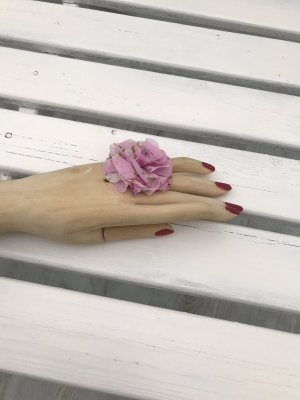 Vom Künstlermarkt Bague incrustée de pierres rose clair