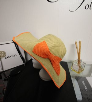 Sombrero de ala ancha naranja