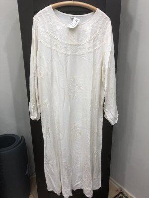 Sommer Kleid mit Stickerei