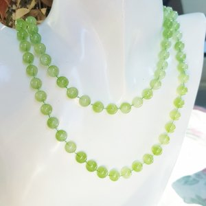 Pearl Necklace sage green