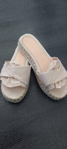 unbekannte Sandały na platformie jasnobeżowy-beżowy