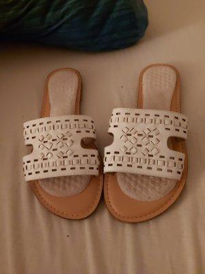 Sandalo infradito con tacco alto bianco-beige