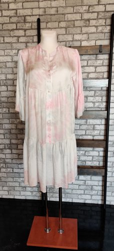 Sommer Seidenkleid im angesagten Batiklook