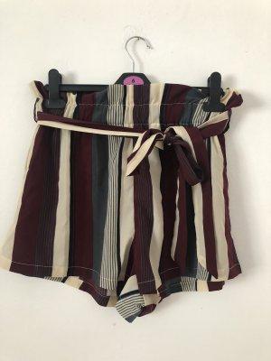 Sommer Shorts mit Bindegürtel
