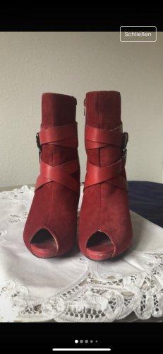 no name Peep Toe Booties red