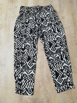 QS by s.Oliver Jersey Pants white-black