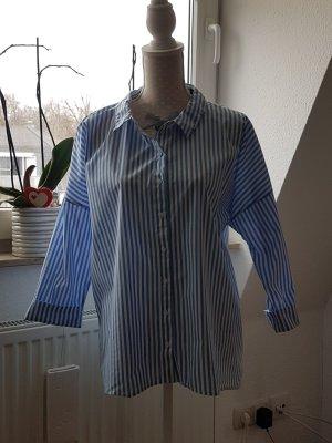 Mohito Oversized blouse lichtblauw