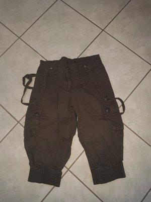 Pantalon capri vert olive-kaki