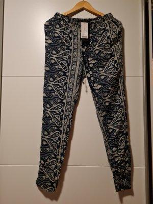 Amisu Spodnie materiałowe ciemnoniebieski-biały Wiskoza