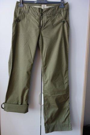 Sommerhose mit weitem Bein und Umschlag - olivgrün von H&M LOGG