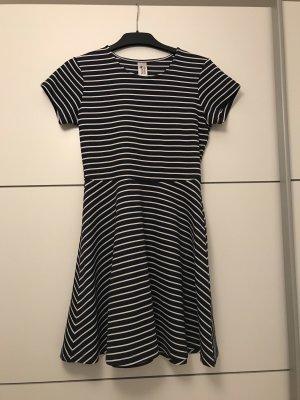 here & there Sukienka plażowa biały-ciemnoniebieski