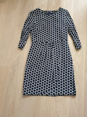 More & More Ołówkowa sukienka biały-ciemnoniebieski Wiskoza