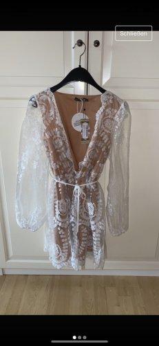 Bohoo Robe en dentelle blanc-rose chair