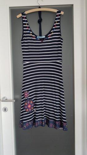 Sommerkleid aus Baumwolljersey von Desigual