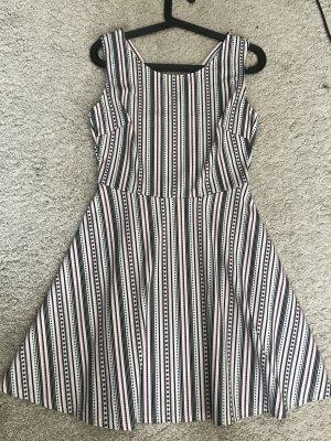 Sommerkleid aus dickem Stoff