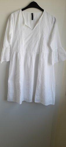 Sommerkleid aus reiner Baumwolle