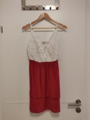 Review Robe trapèze blanc-rouge framboise