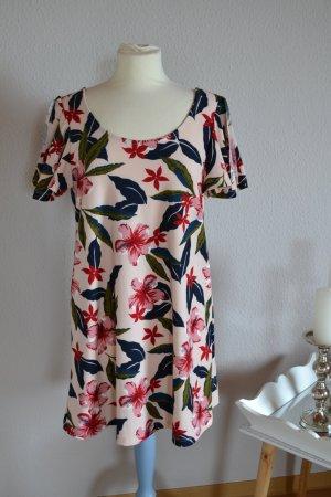 Sommerkleid Flügelärmel leicht floral Mango XS