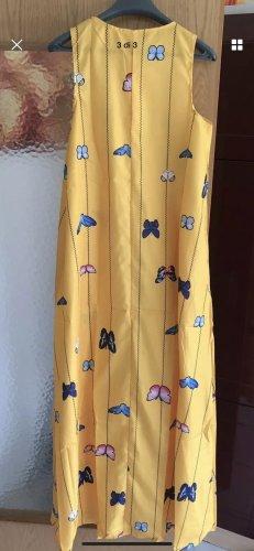 Caftán amarillo