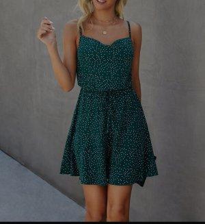 Sommerkleid grün, gepunktet