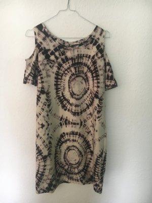 Sommerkleid in Batik Optik mit Shoulder Cut Out