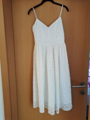 Sommerkleid in weiss
