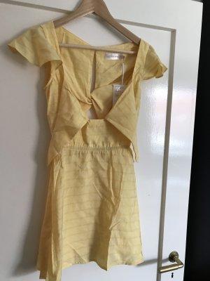Robe courte jaune primevère-jaune clair