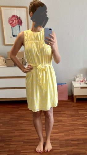 Sommerkleid  LETZTE PREISREDUZIERUNG  Wegen Umzug erfolgt Ende Mai Kleiderspende der nicht verkauften Artikel