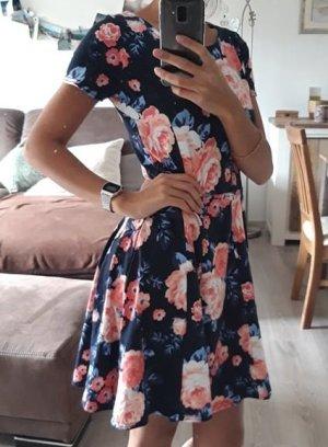 Sommerkleid Marineblau mit Blumenmuster