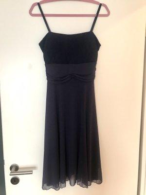 Szyfonowa sukienka ciemnoniebieski