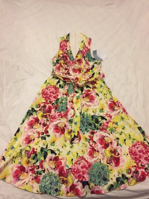 Sommerkleid mit Aquarellblumen