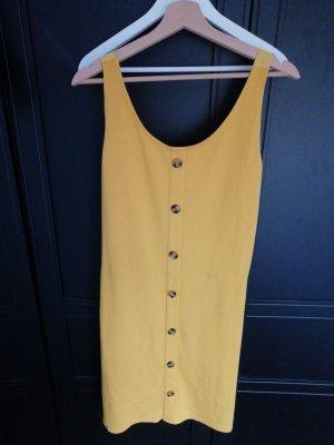 Sommerkleid mit ausgefallenem Rücken
