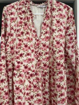 Sommerkleid mit Blüten