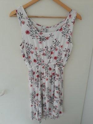 Sommerkleid mit Blumen