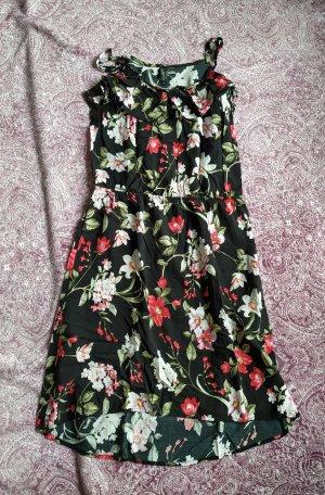 Sommerkleid mit Blumenmuster