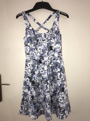 Sommerkleid mit Gekreuztem Rückendetail