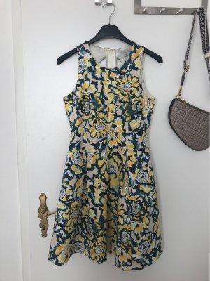 Sommerkleid mit kleinem rückenausschnitt