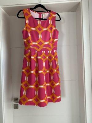 Sommerkleid mit Psychedelic-Muster