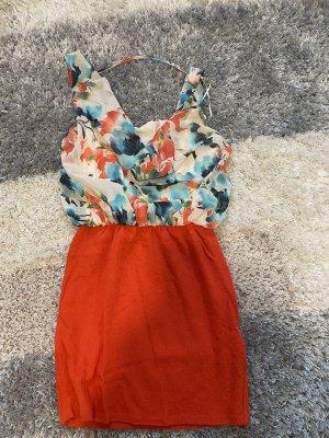 Sommerkleid mit Rückenausschnitt