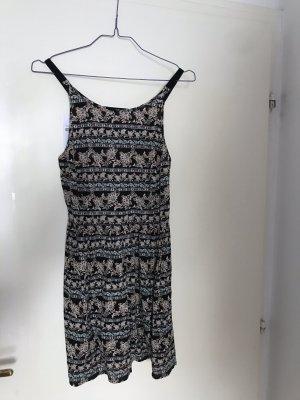 Sommerkleid mit schönem Rückenausschnitt