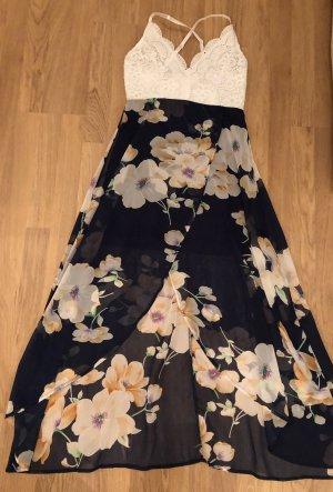 Sommerkleid mit Spitzenoberzeil