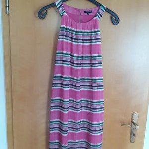 More & More Off-The-Shoulder Dress pink