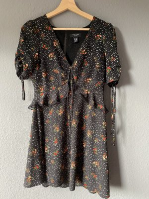 New Look Petite Robe Babydoll brun foncé-rouge foncé