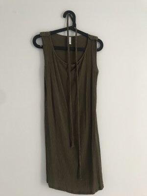 Sommerkleid olivgrün// VILA