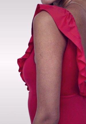 H&M Vestido de un hombro rojo